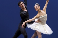 Symphony-in-C-Chor.-by-George-Balanchine-©-School-of-American-Ballet-16-Martina-Arduino-Nicola-del-Freo